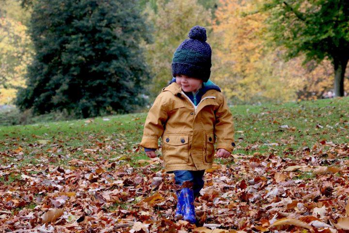 kind buitenspelen - Sambucol ondersteunt je weerstand